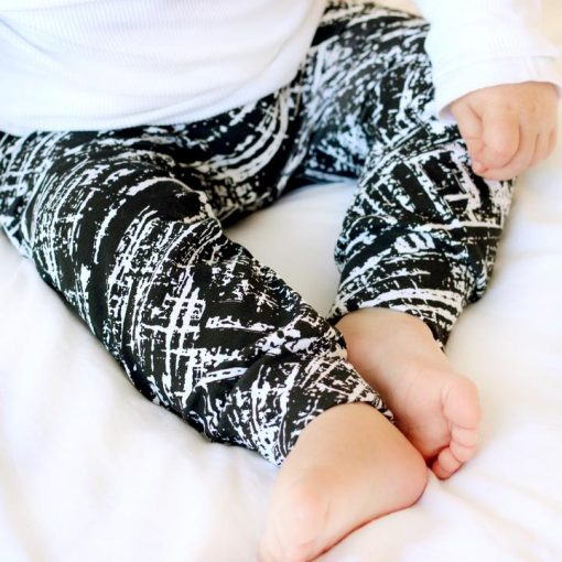 criss cross print leggings